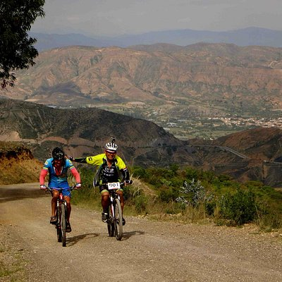 Riding to Chiquizá with Henri from Bici Full Guty