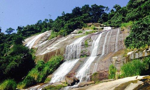 Cachoeira atras do museu