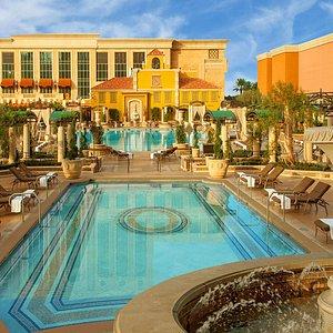 Venetian Main Pool - Day