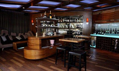Di Vino Wine & Tapas at Verdanza Hotel