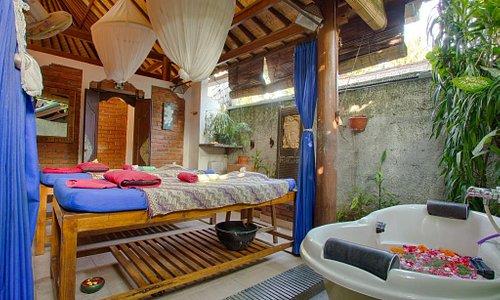 Honeymoon SPA room