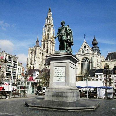 Peter Paul Rubens Statue