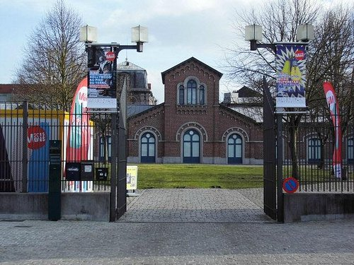 Blick in Richtung der alten Schlachthäuser in Mons,B - heute Ausstellungshalle