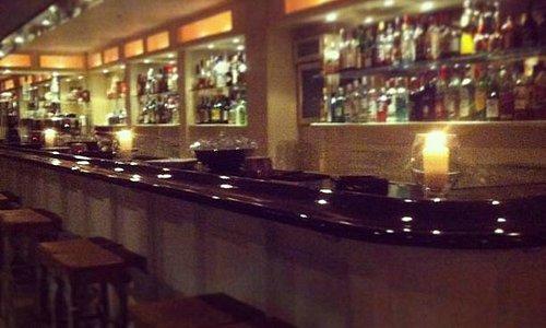 Cargo bar/diner