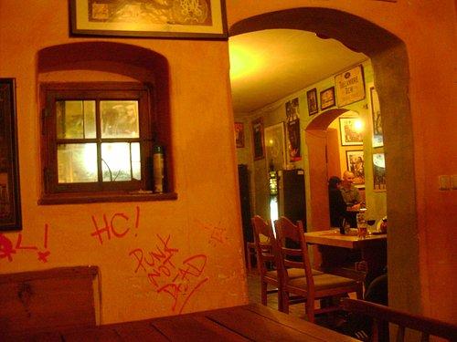 Smoke-filled Gorila Rock Pub with good beer