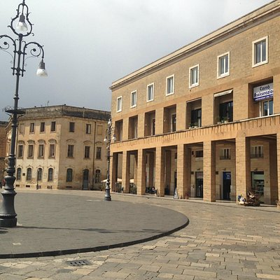 Lato piazza