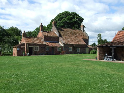 Grade II Listed Farnhouse Museum