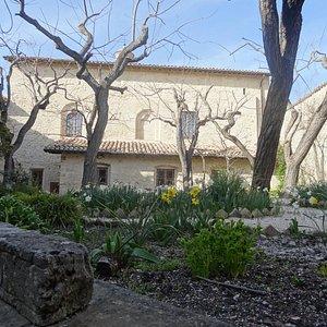 The courtyard of Santa Chiara monastery