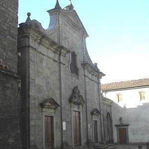 Facciata della Pieve di San Giovanni Battista a Pieve Fosciana