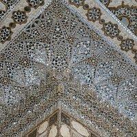 Mosaico de espelhos similar ao que existe em Sheesh Mahal