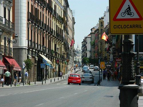 Vista de la calle Mayor mirando hacia Puerta del Sol