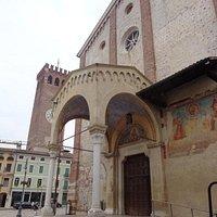 Protiro della Chiesa e torre