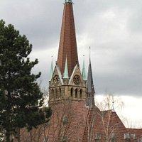 L'esterno, campanile