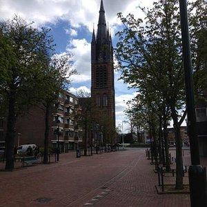 vanaf Hilversums belangrijkste winkelstraat