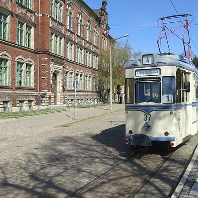 tram wagen 37vlak bij de remise