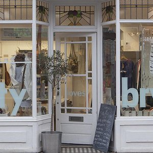 Shop front at BlovesB