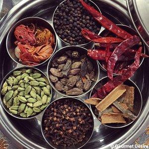 Whole spices, in a box ofcourse!