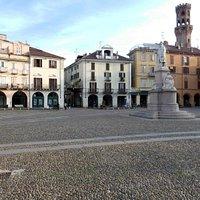 Sehr hübsches Ambiente: Die Piazza Cavour
