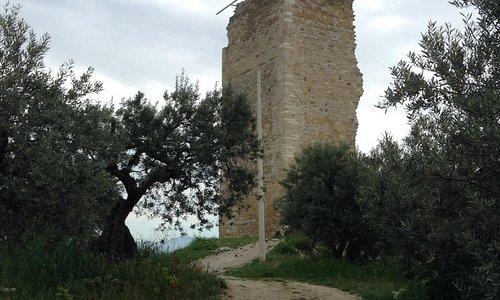 La tour ... Ce qu'il en reste !