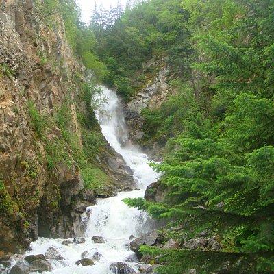Lower Reid Falls