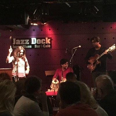 Kiran Ahluwalia, Jazz Bar, Prague