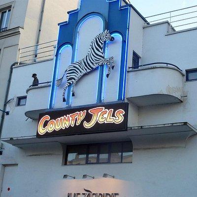 Entrée du Zébre - en Guest Star ici, les County Jels !