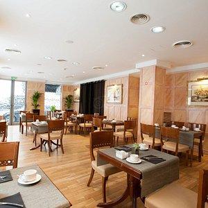 Breakfast Room at the Melia Vendome - Paris