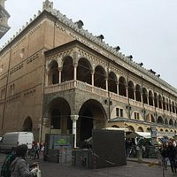 Arriving from Piazza dei Signori
