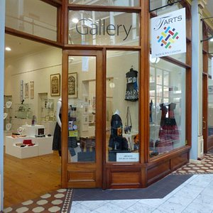 Contemporary Art Gallery with over 30 Australian artists and showcasing handmade, original works