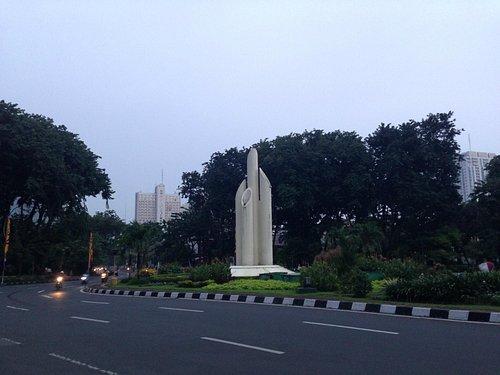 Monumen Bambu Runcing, Surabaya