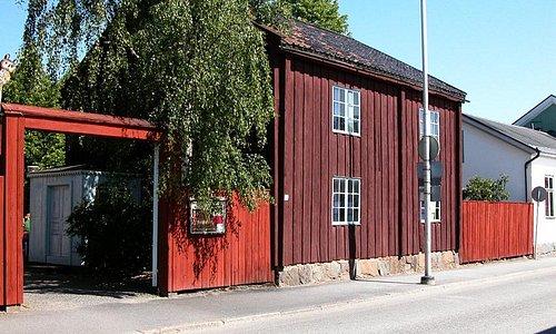 Lassander house as seen from Pitkänsillankatu