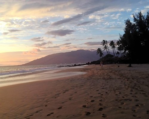 Awesome & clean beach to watch the sunset.