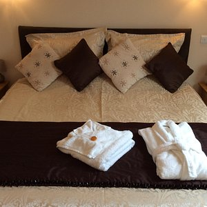 Room 4 King Bed and special little extras