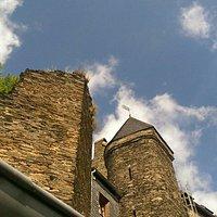 Eine wunderschöne Burganlage mit atemberaubenden Ausblicken