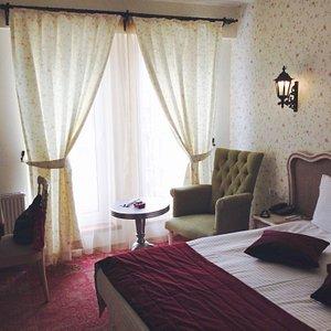 Nice lobby & clean rooms!