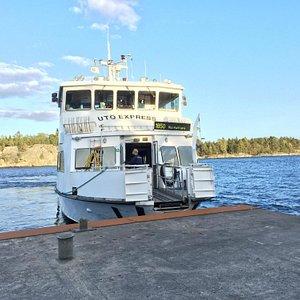 Ferry departing Rano island