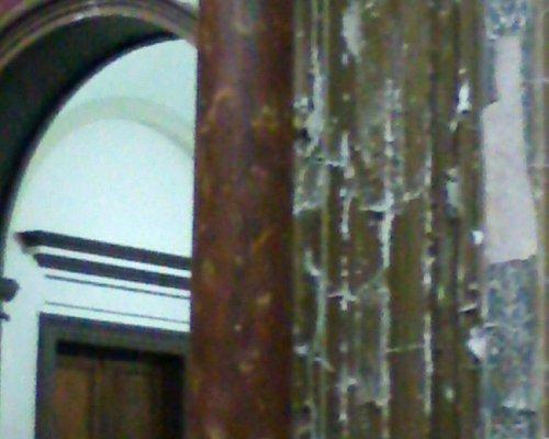 Salón Dorado de la Municipalidad de La Plata, algo deteriorado
