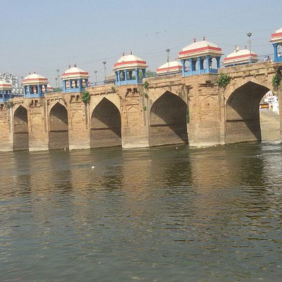 This is shai bridge of jaunpur . Mostly viewing place of jaunpur........