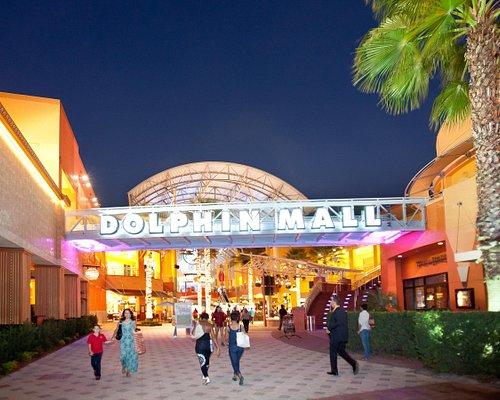 Dolphin Mall Ramblas Plaza