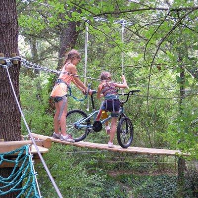 on peut même faire du vélo...