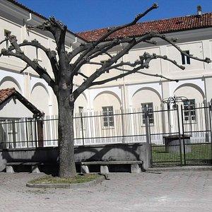 piazzale del convento