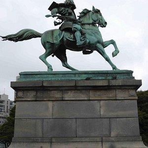 kusunoki-masashige-statue.jpg?w=300&h=300&s=1