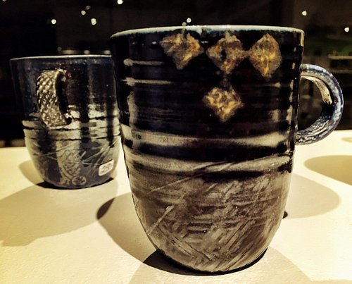 Nyskapande av flera keramiker.