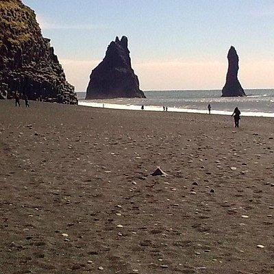 Reynisfjara Beach - cliffs, cave and islet
