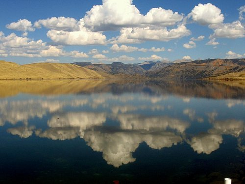 Fremont Lake, 4 miles from Pinedale, Wyoming / US Highway 191