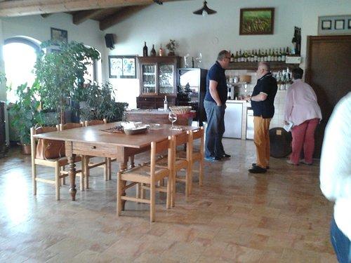 Weinprobe und -kauf bei Elio Altare