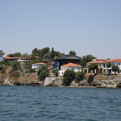 Houses on Sovalye Island from the boat