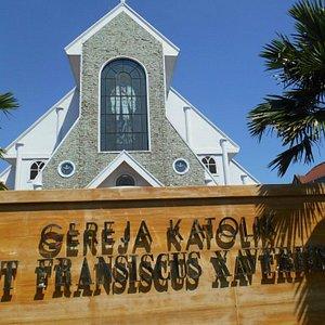 Tampak Depan Gereja Katolik Fransiskus Xaverius Yogyakarta