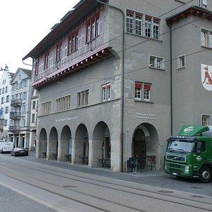 Ruden Bar & Restaurant