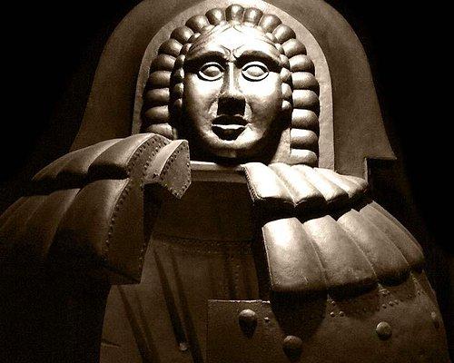 La Vergine di ferro